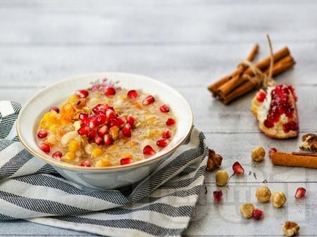 Ашуре - турски десерт с варено жито, ядки и плодове - снимка на рецептата